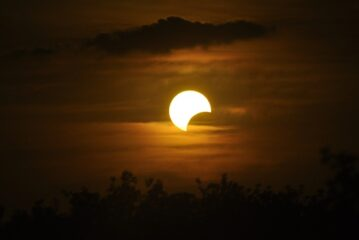 27 Temmuz Kova Burcunda Ay Tutulması
