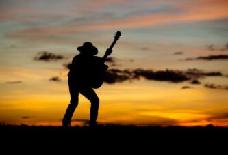 Her Ruh Kendi Şarkısına Doğar