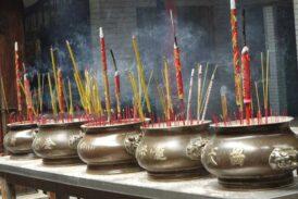 Seremoni dumanı'ndan tütsü'ye