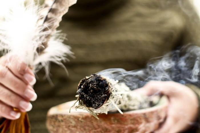 seremoni dumanı ve ates