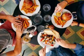 Tanrı insanları yemek içmekle mi cezalandırdı?